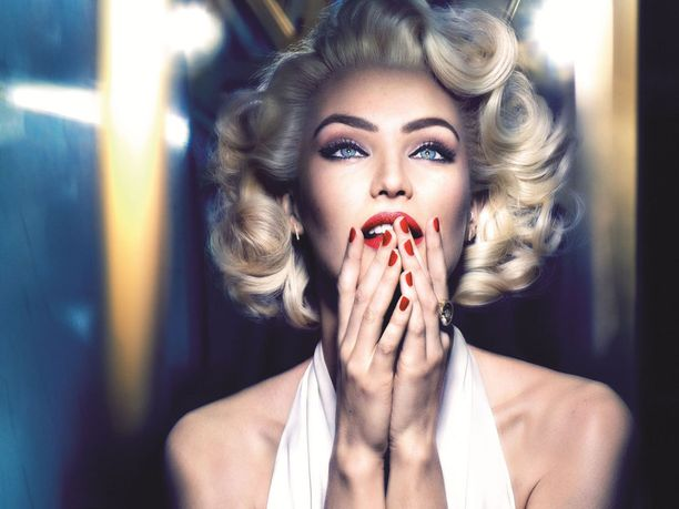Candice Swanepoel on kuin ilmetty Marilyn Monroe.