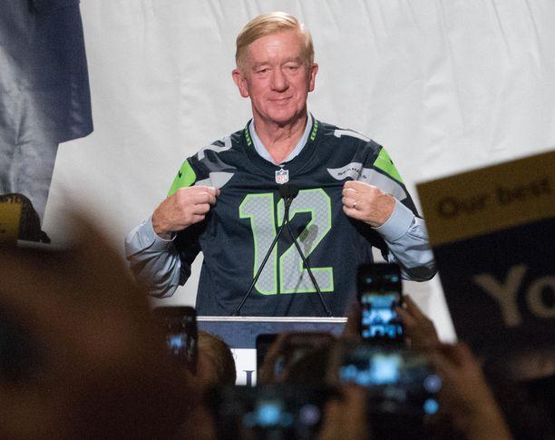 Weld kampanjoi NFL-joukkue Seattle Seahawksin pelipaidassa vuonna 2016.