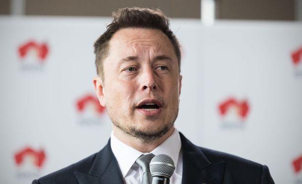 Sähköautoja valmistavan Teslan toimitusjohtajana toimivan Elon Muskin omaisuudeksi on arvioitu peräti 21 miljardia dollaria.