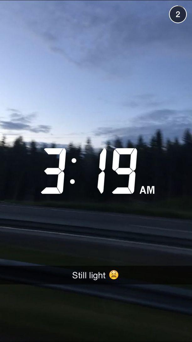 Kylie Jenner jakoi aamuyöllä videon Suomen yöttömästä yöstä Snapchat-pikaviestipalvelussa.