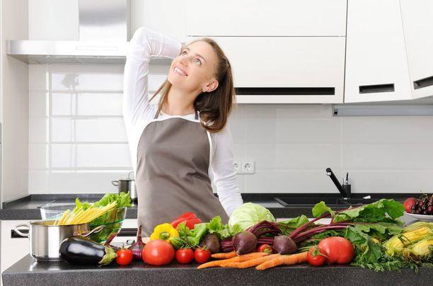 Kotona kokkailu tekee hyvää kaikelle terveydelle.