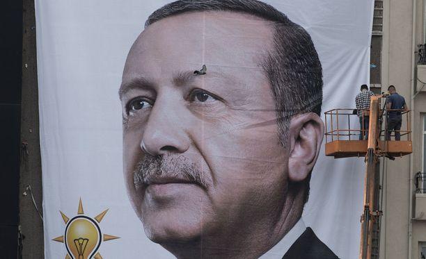 Kesäkuun 24. päivä järjestetyt parlamentti- ja presidentinvaalit sinetöivät uuden presidenttijohtoisen järjestelmän ja Erdoganin vallan.