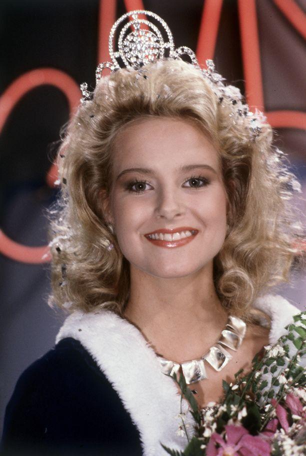 Nina Björnström valittiin Miss Suomeksi vuonna 1988.