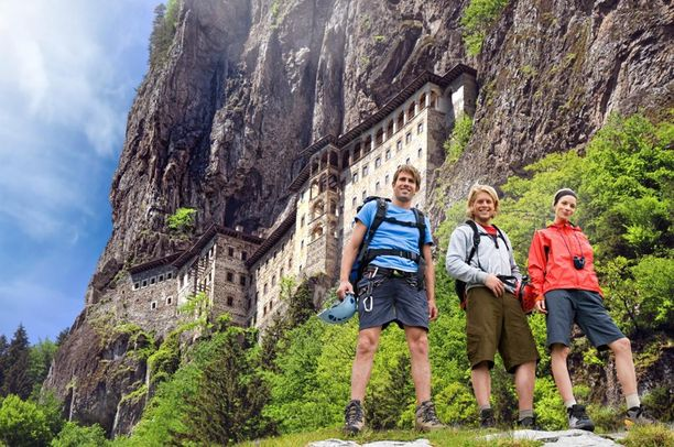 Mustanmeren alueella voi viettää myös vaelluslomaa.