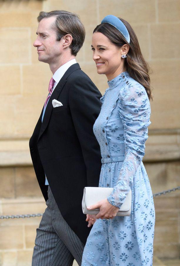 James Matthews ja Pippa Middleton. Pippalla on ollut seurustelusuhde häiden sulhasen kanssa.