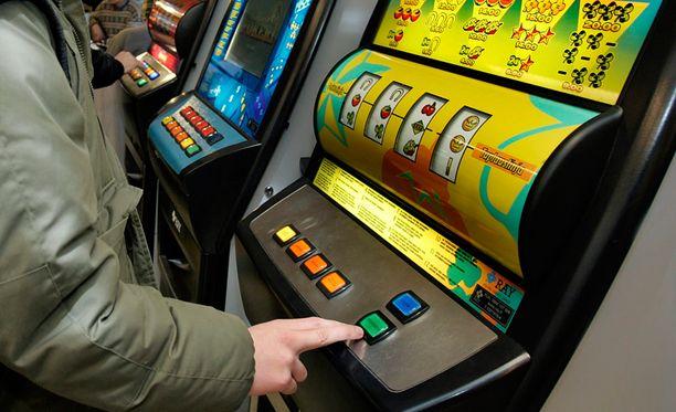 RAY:n omien pelisalien tuotto laski puolellatoista prosentilla ja oli runsaat 94,6 miljoonaa euroa.