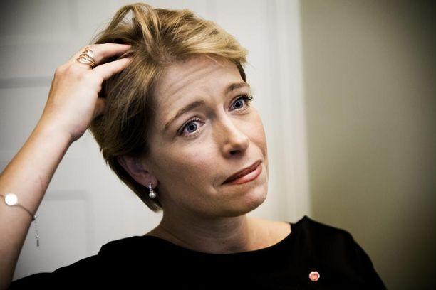 Sosialidemokraattien ministeri Annika Strandhäll joutui huorittelun kohteeksi Trump-kiistan vuoksi.