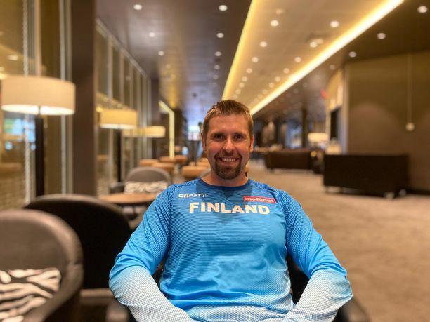 Antti Ruuskanen kävi viime syksynä polvioperaatiossa, jossa häneltä poistettiin rustoa.