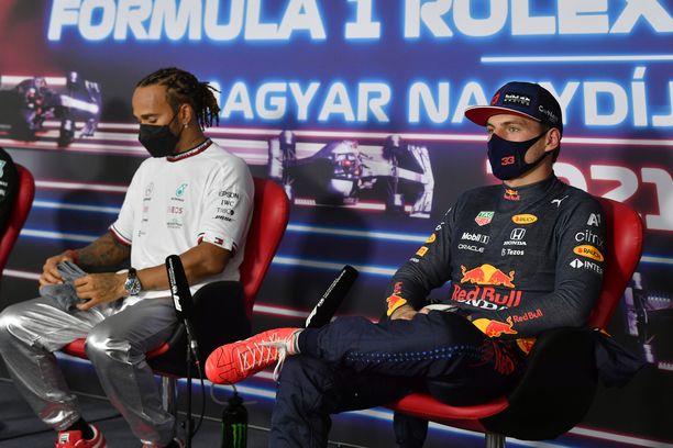 Hamilton ja Verstappen taistelevat mestaruudesta.