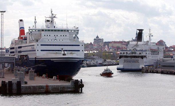 Laivaliikenne on pystytty yön aikana hoitamaan normaalisti esimiesvoimin.