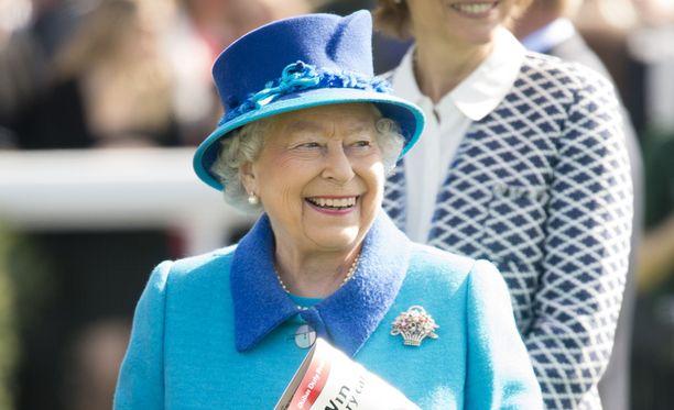 Kuningatar Elisabet pitää kokkien mukaan suklaasta.