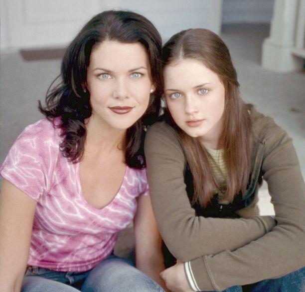 Tältä Lorelei (Lauren Graham) ja Rory (Alexis Bedel) näyttivät Gilmoren tyttöjen alkutaipaleella.
