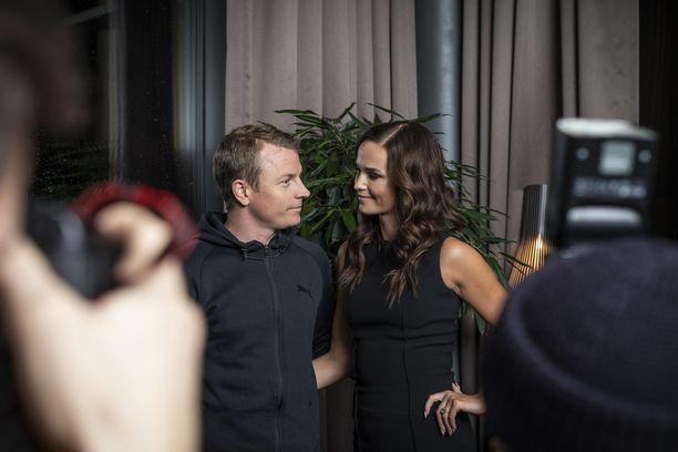 Kimi ja Minttu Räikkönen Gugguu x Minttu Räikkönen Collectionin lehdistötilaisuudessa.