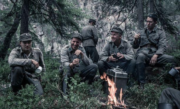 Tuntematon sotilas on kiinnostanut myös kansainvälisesti. Elokuvaa on näytetty esimerkiksi Islannissa ja Ruotsissa.
