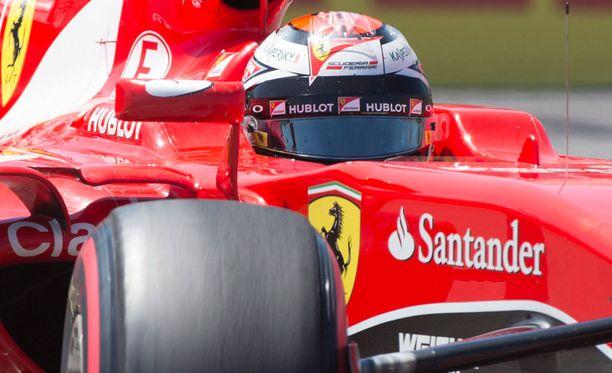 Kimi Räikkönen lähtee matkaan kolmosruudusta.