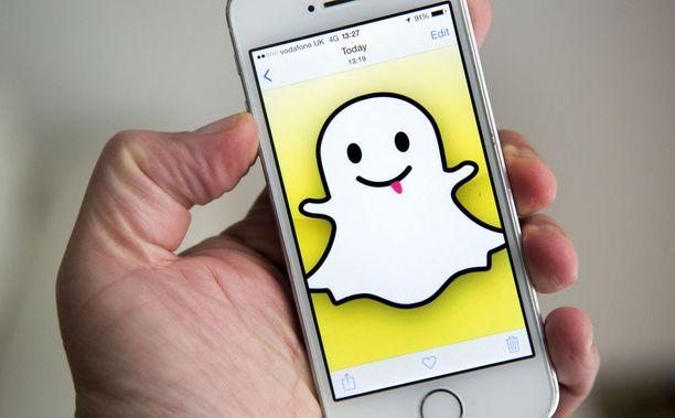 Teinityttö kohtasi sosiaalisen median Snapchat-sovelluksessa aikuisen miehen, joka käytti häntä hyväkseen.