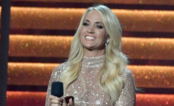 Tältä Carrie Underwood näytti ennen onnettomuutta.