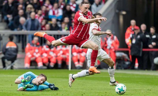 Franck Ribery (punaisessa paidassa) murjoi HSV:tä lauantain liigakierroksella.