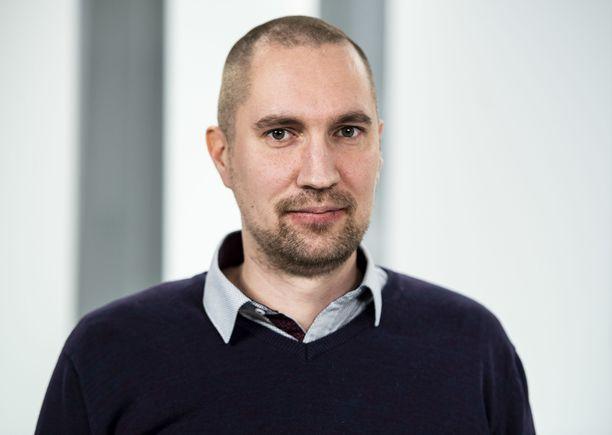 Heikki Palviainen kasvoi Jehovan todistaja -perheessä. Nyt hän opiskelee papiksi.