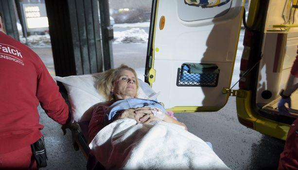 Päivi Räsänen tuotiin hoitoon Helsinkiin.