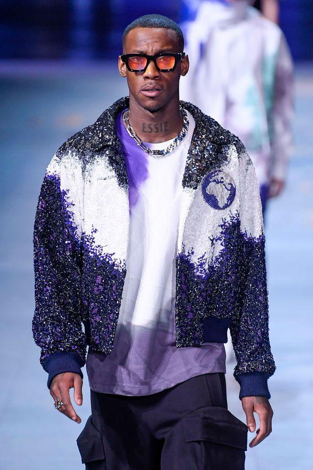 Rappari Octavian oli mallina Louis Vuittonin FW19-näytöksessä.