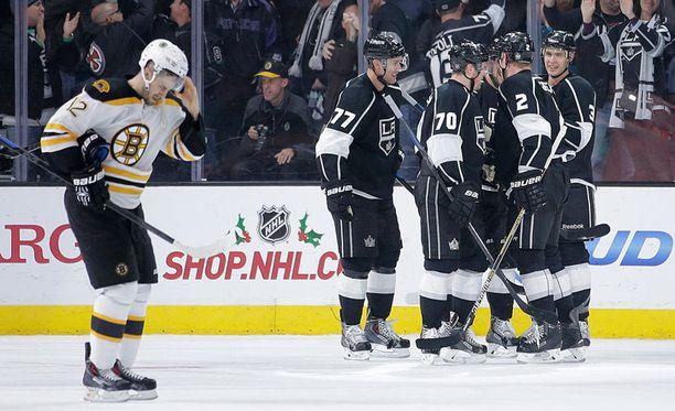 Los Angeles Kings kukisti Boston Bruinsin 2-0 Suomen aikaa aikaisin keskiviikkoaamuna.