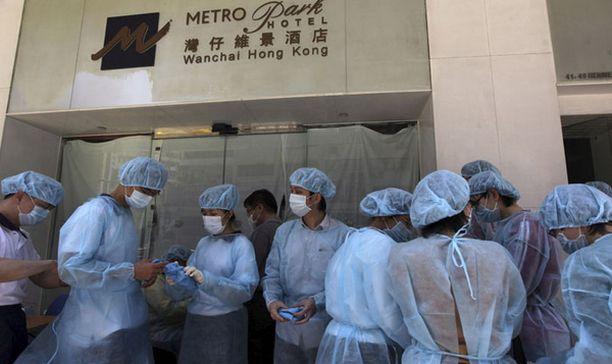 Hotellista ovat tänään päässeet pois ne, jotka olivat Shanghaista tulleen meksikolaismiehen kanssa samalla lennolla.