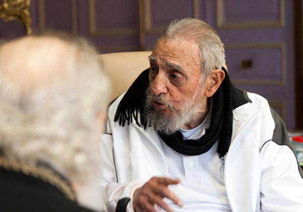 Fidel Castro tapasi helmikuussa Venäjän ortodoksikirkon johtajan Kirillin.