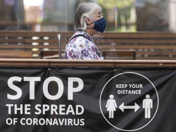 Uutta delta plus -virusmuunnosta on havaittu jo useissa maissa, mikä on saanut WHO:n lisäämään sen huolta herättävien muunnosten listalle.