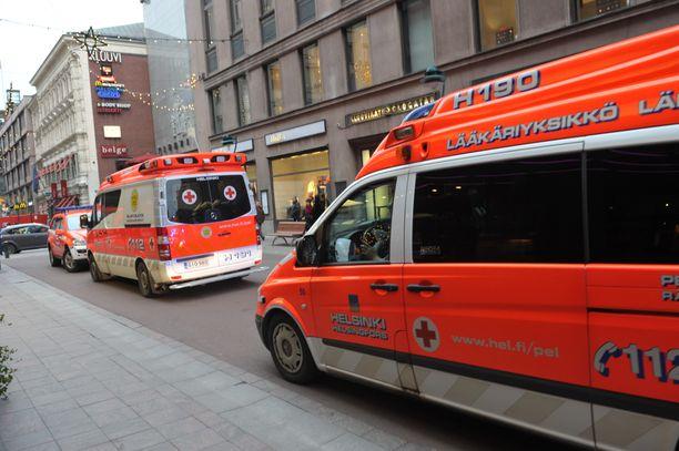 Ydinkeskustoissa ambulanssin saa nopeasti.