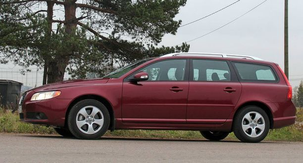 """Volvo V70 kärsi tilapäisestä voimakkaasta """"inflaatiosta"""" elokuussa."""