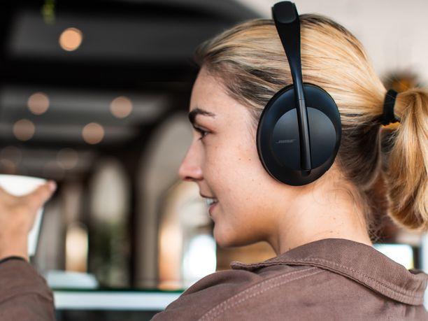 Bose 700 -kuulokkeet ovat yksinkertaisen tyylikkäät.