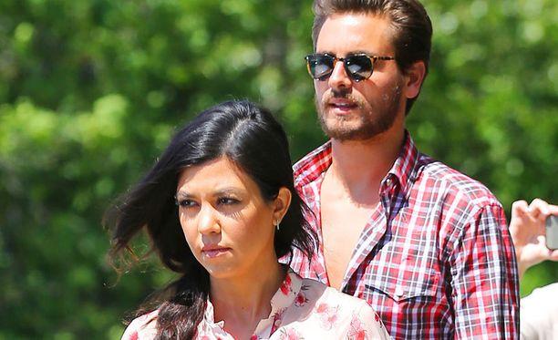 Kourtney ja hänen miehensä Scott Disick.