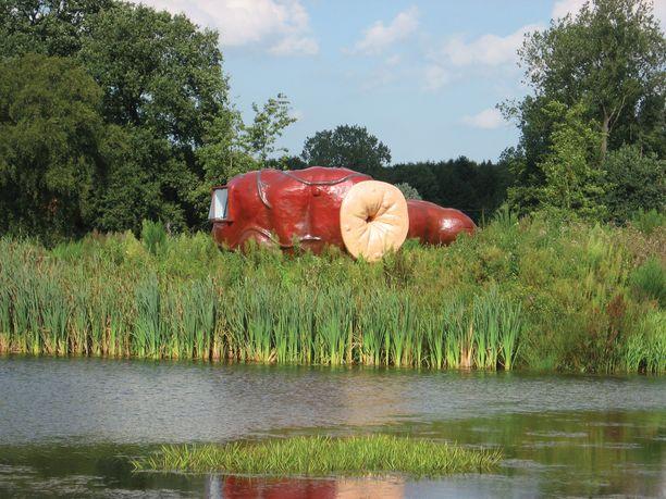 Luonnon keskelle rakennettu peräsuolihotelli on rauhallinen yöpaikka.