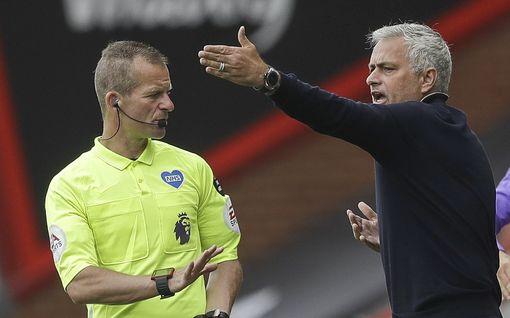 """Paljastus kulisseista: Näin rajusti Mourinho puhuttelee omia pelaajiaan – """"Teidän pitää olla kusipäitä"""""""