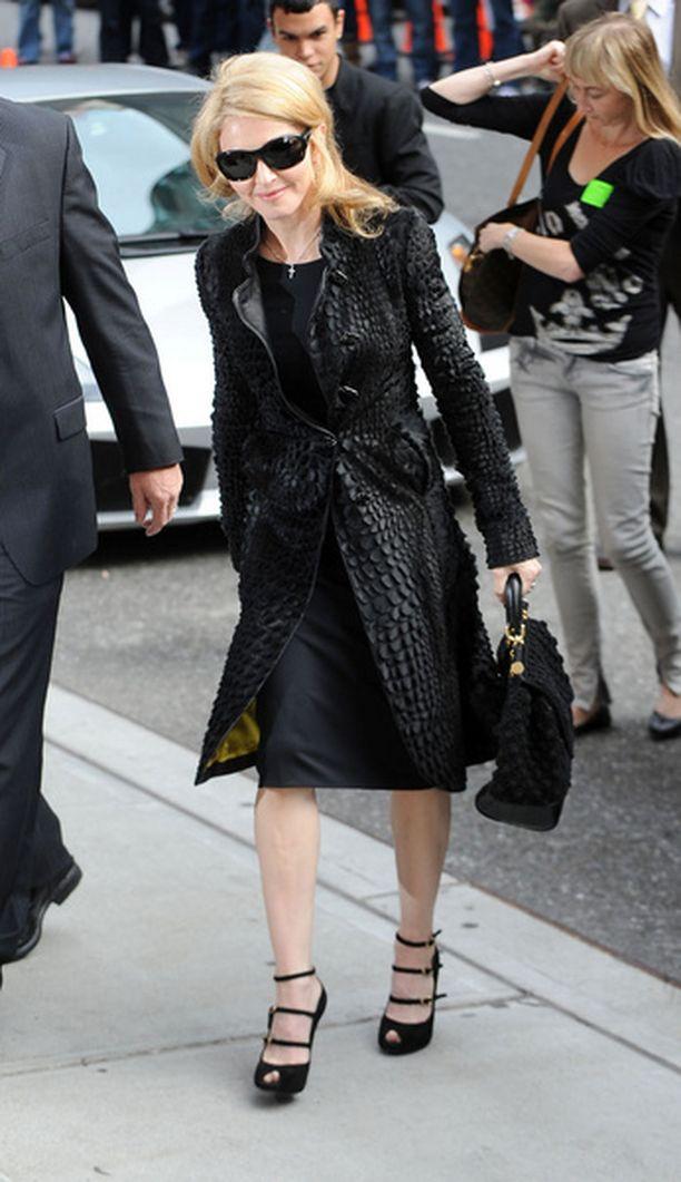 Madonna asuu Manhattanilla sijaitsevan kerrostalon seitsemännessä kerroksessa neljän miljoonan dollarin asunnossa.