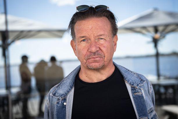 Pelaajayhdistyksen uusi toiminnanjohtaja Jari Kostiainen on huolissaan tilanteesta.