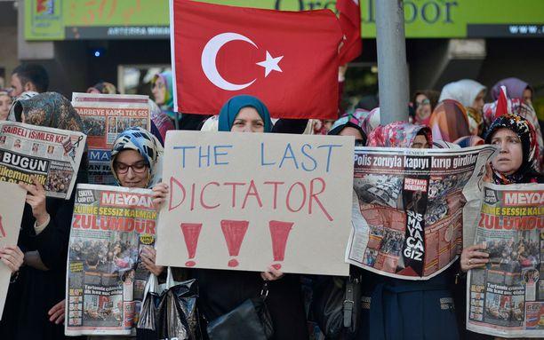 Erdogan ei ole kaikkien mieleen. Häntä pidetään diktaattorina.