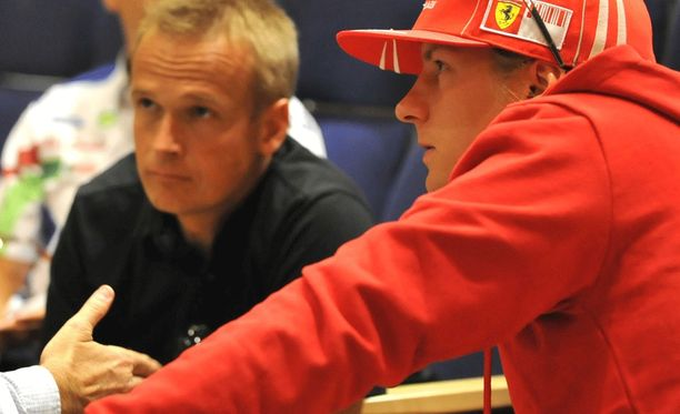 Riku Kuvaja ja Kimi Räikkönen Jyväskylän MM-rallin tiedotustilaisuudessa vuonna 2009.