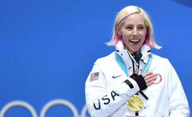 Kikkan Randallilla oli vielä Pyeongchangin olympialaisissa pitkät hiukset.
