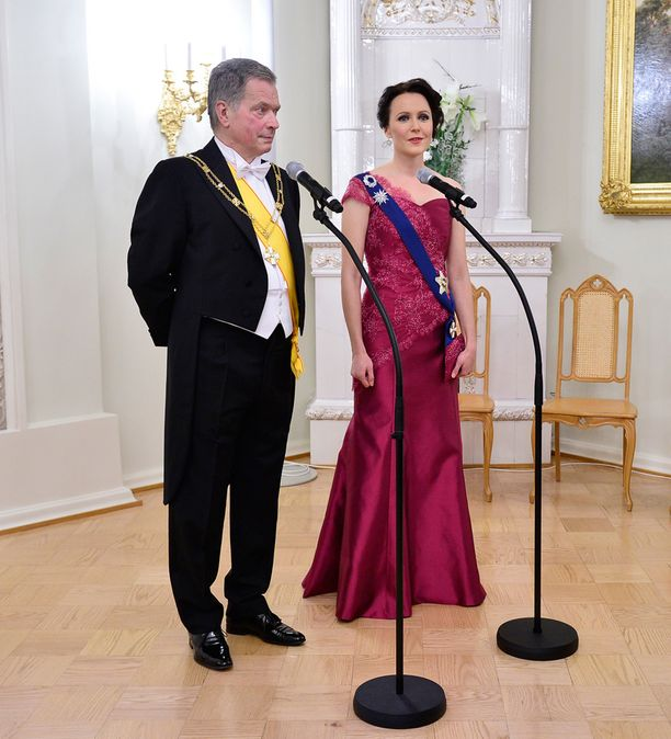 Jenni Haukion puku on Sari Norströmin käsialaa.