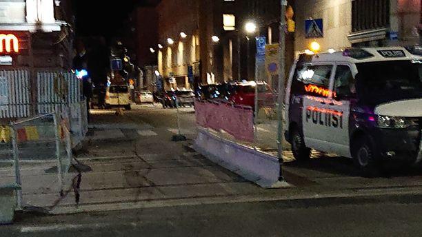 Useita poliisipartioita tarvittiin perjantai-iltana Tampereen Pellavantehtaankadulla, kertoo Sisä-Suomen poliisi.
