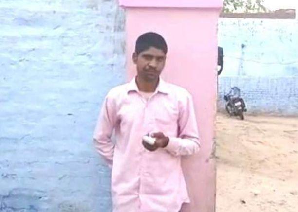 Intialainen Pawan Kumar leikkasi sormensa irti äänestettyään väärää puoluetta.