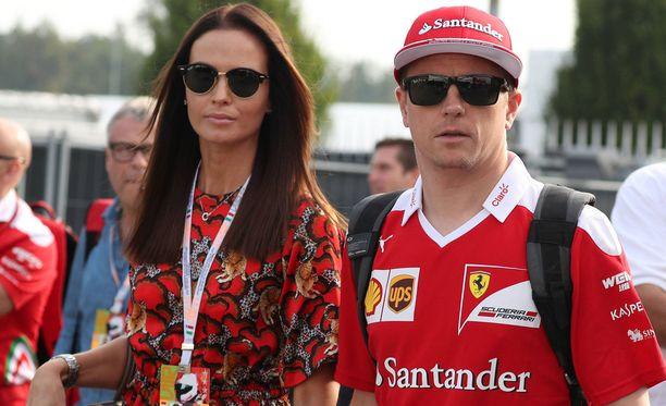 Minttu ja Kimi Räikkönen tapasivat kotibileissä kesällä vuonna 2013.