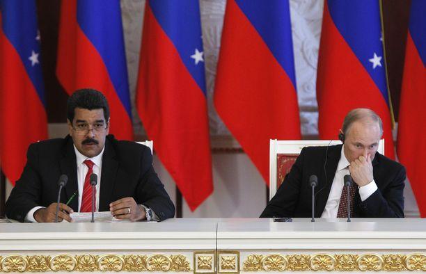 Vladimir Putinilla Venäjällä on Venezuelaa kohtaan öljyyn liittyviä taloudellisia intressejä.