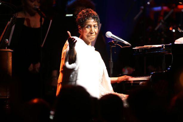 Viime vuonna Franklinin piti tehdä useampi konsertti, jotka kuitenkin peruttiin lääkärin määrättyä hänet lepoon.