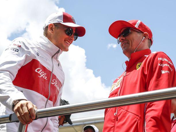 Marcus Ericsson ja Kimi Räikkönen tulevat hyvin toimeen keskenään. Kaksikko puhuu kisaviikonloppujen aikaan muun muassa heidän yhteisestä intohimostaan jääkiekosta.