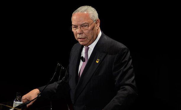 Yhdysvaltain entinen ulkoministeri Colin Powell ilmoitti tiistaina äänestävänsä Hillary Clintonia presidentinvaaleissa.