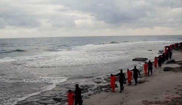 Isisille uskollisuutta vannovat militantit väittivät teloittaneensa kristittyjä tammikuussa Sirtessä, Libyassa.