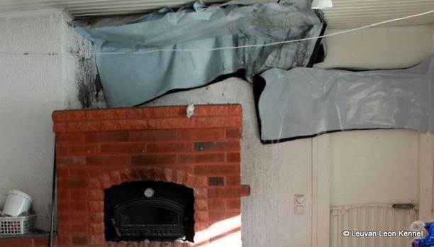 Tulipalo sai alkunsa takkahuoneen savuhormista. Osa talosta joutuu palon takia remonttiin.